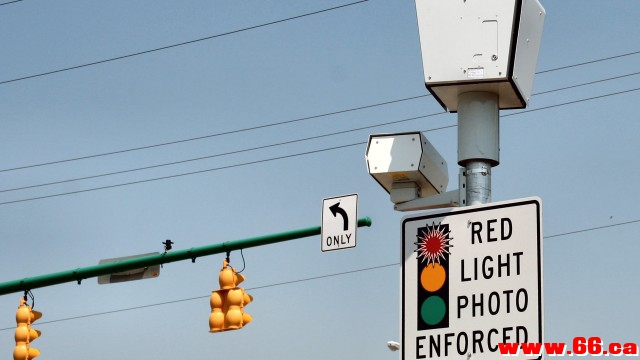 """Red-Light Camera toronto""的图片搜索结果"
