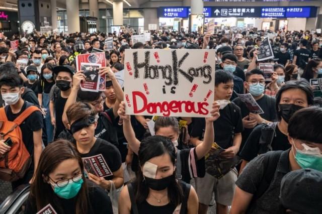 """香港示威浪潮""""撕裂""""加拿大华裔家庭和社区"""